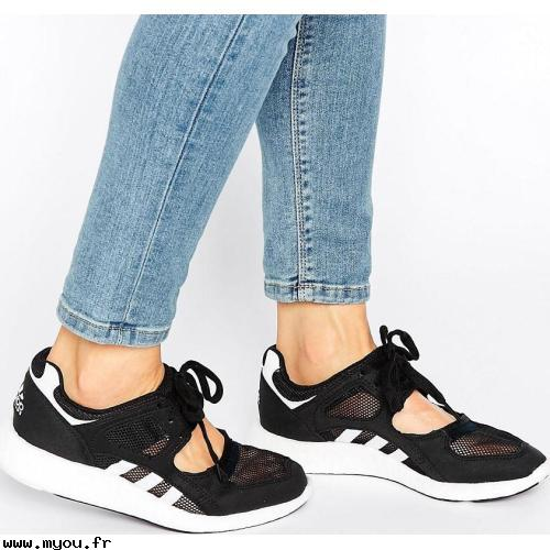 chaussures ouverte adidas femme